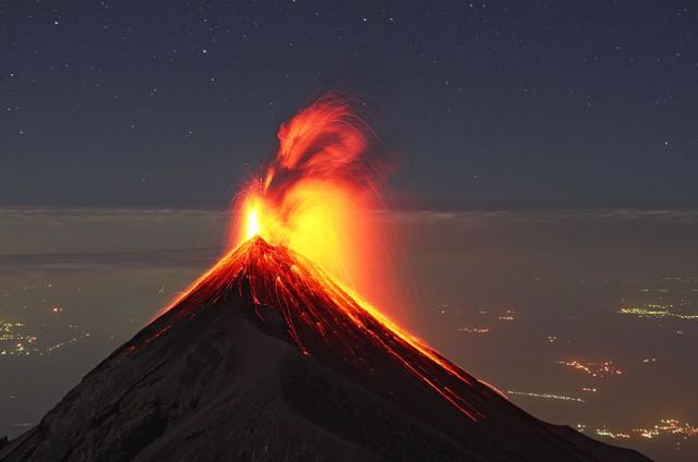 volcan de fuego- Ley dominical.jpg