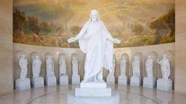 mormon estatuas ley dominical.jpg